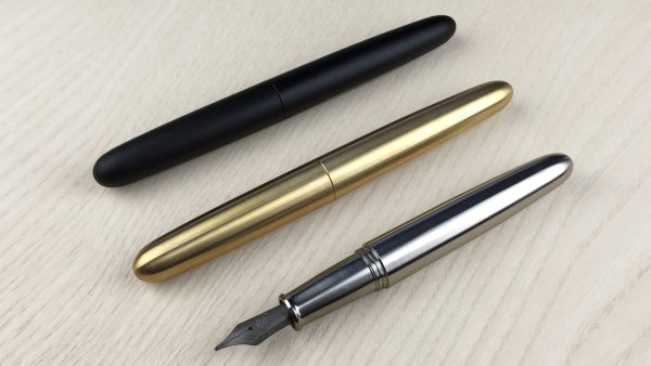 ensso-minimal-fountain-pen-titanium-brass-black-1-600x338.jpg