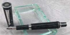 delta-papillon-fountain-pen-1